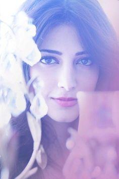 about shruti hassan Beautiful Girl Indian, Most Beautiful Indian Actress, Beautiful Actresses, Simply Beautiful, Gorgeous Women, Indian Celebrities, Bollywood Celebrities, Bollywood Actress, Shruti Hassan