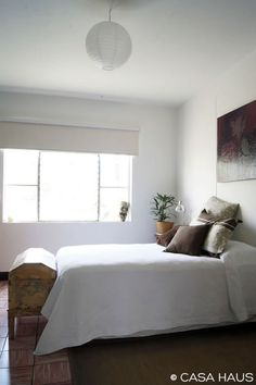 simple white bedroom =)