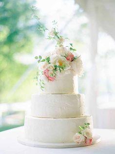 Wedding Wednesday :: Flowers + Cakes