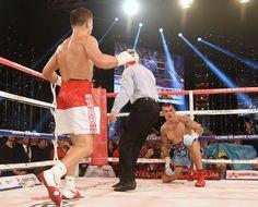 Gennady Golovkin continues streak, defeats Murray by 11th round TKO