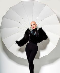 """To Do, LA: Drag Photographer Magnus Hastings' New Exhibit """"Why Not!"""" at the Mr Musichead Gallery - The WOW Report Drag Queen Outfits, Drag Queen Costumes, Queer Fashion, Fashion Art, Urban Fashion, Fashion Styles, Runway Fashion, Fashion Dresses, Rupaul Drag Queen"""