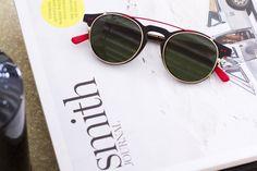 Moda, complementos, gafas, eyewear. Disponible en Guillermo Ópticos