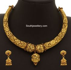 Antique Necklace latest jewelry designs - Page 2 of 330 - Indian Jewellery Designs Gold Jewellery Design, Gold Jewelry, Jewelery, Gold Necklaces, Diamond Necklaces, Vintage Jewellery, Antique Jewelry, Indian Jewelry Sets, India Jewelry