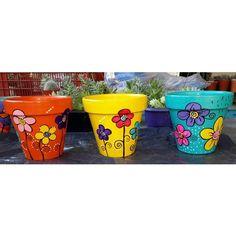 Clay Flower Pots, Flower Planters, Clay Pots, Painted Plant Pots, Painted Flower Pots, Pottery Painting, Pottery Art, Flower Pot Design, Decorated Flower Pots