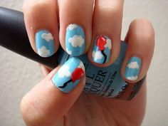 ooohhhh...this could be my next set of painted nails. Love it! 99 Luft Balloons!