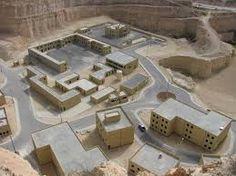 To KASOTC (King Abdullah Special Operations Training Center), είναι ένα κέντρο το οποίο παρέχει κορυφαία εκπαίδευση στο αγώνα σε κατοικημένους τόπους. Βρίσκεται στην Ιορδανία και παρέχει στους ενδ…
