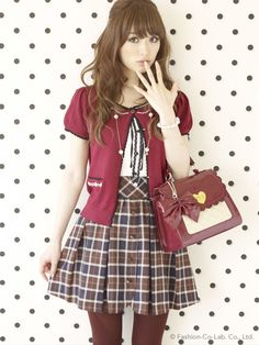 Not a fan of the color red, but this outfit is cute. The bag is cute as well ^-^ I wish I had this outfit :(