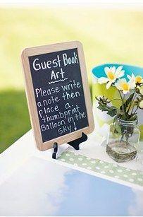 Transformez votre livre d'or en cahier de souvenirs coloré. | 34 façons créatives d'apporter de la couleur à votre mariage