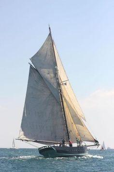 Scilly Isles Pilot cutter replica - classic-sailing.co.uk