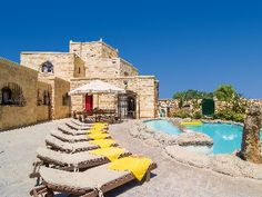 Picture your intimate destination wedding poolside at this gorgeous luxury villa on the Island of Malta! Two adjoining properties are also available at luxury.homeaway.com
