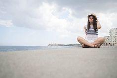 """""""No hay otro lugar que muestre más el corazón de la habana que el malecón 💙🌴 esta foto se la dedico a @lapiznomada por haberme ayudado tanto en este viaje.. gran aventurera y todo un ejemplo a seguir 😘  #malecon #havana #cuba #cuba🇨🇺 #travelblogger #iamtb #instaviajeros #iatiporelmundo #travel #viajar #viajes #viajeros #mochileros #backpackers #globetrotter #wanderlust #nosotrasviajamos #wearetravelgirls #soyviajera #womenwhoexplore #travelpic #travelphotography #travelphoto…"""