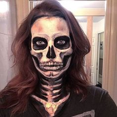Halloween skeleton makeup / costume. Scary sugar skull / calaveras / Mexican day of the dead face paint by @makeupformermaidss on Instagram