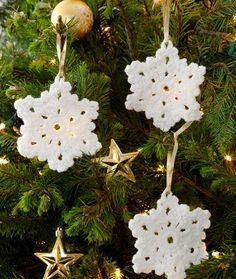 Snowflake Ornament free crochet pattern