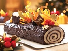 Hi there, Deck the dinner table with Goodwood Park Hotel's festive specialities that will bring merriment to any celebration. The takeaway gourmet treats will Chocolate Log, Hotel Food, Log Cake, Cake Pictures, Park Hotel, C'est Bon, Xmas, Christmas, Buffet