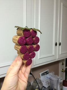 If you have a bunch of wine corks and are wondering what to do with them. This is a very fun and pretty craft to make with them. Follow me on Facebook: https...