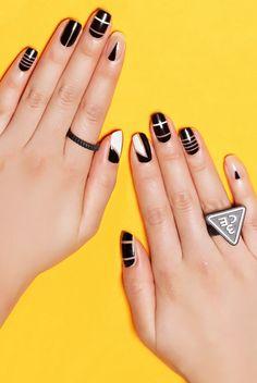 negative space nails #nail #nails #nailart #unha #unhas #unhasdecoradas