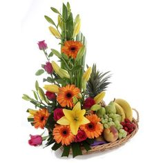 Selecting The Flower Arrangement For Church Weddings – Bridezilla Flowers Fruit Flower Basket, Fruit Flowers, Fruits Basket, Tropical Flowers, Edible Fruit Arrangements, Flower Arrangements Simple, Floral Centerpieces, Church Flowers, Funeral Flowers