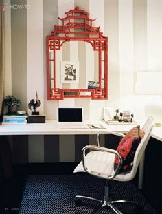 This chinoiserie mirror adds unexpected personality to an office space. #chinoiserie #office