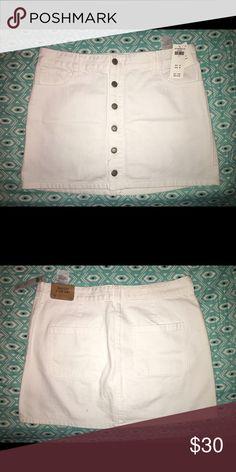Hollister white denim skirt size 11 (30) Brand new and never been worn Hollister Skirts Midi