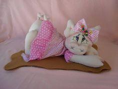 Porquinha de tricoline para decoração. R$ 52,00