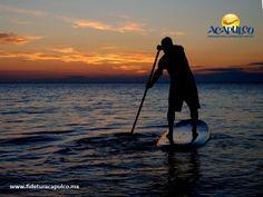 #lasmejoresplayasdemexico Stand Up Paddle Board en Playa Icacos de Acapulco. LAS MEJORES PLAYAS DE MÉXICO. Una de las principales atracciones que encontrarás en Playa Icacos durante tus próximas vacaciones en Acapulco, es el Stand Up Paddle Board, el cual es un deporte familiar que consiste en remar sobre una tabla de surf de 4 metros y la empresa Súbete al Mar, te ofrece todo lo necesario para que lo hagas. Obtén más información, visitando la página oficial de Fidetur Acapulco.