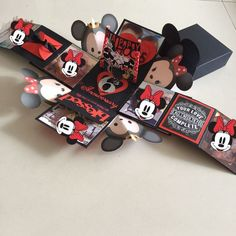 Tsum Mickey Minnie Explosion Box With 8 Personalized Photos In Black & Red