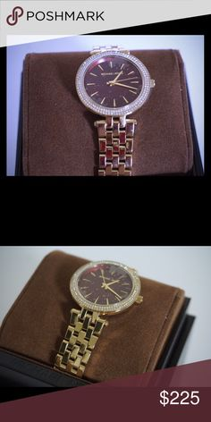 Michael Kors women's watch New! ✨ comes with box and care book! Willing to consider reasonable offers so send them in! This is a small face watch Michael Kors Accessories Watches