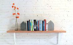 DIY: betonnen boekensteun met te gekke structuur Roomed | roomed.nl
