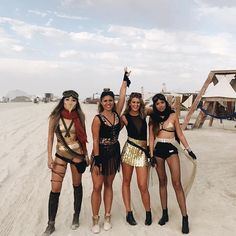 Our Showpo Girlgang took on Black Rock City!!! ❤️✨ 8 Days of dancing @thelazyceo @greengurkin @bellybolly @livndye #ShowpoOnTour #BurningMan2017 ✨