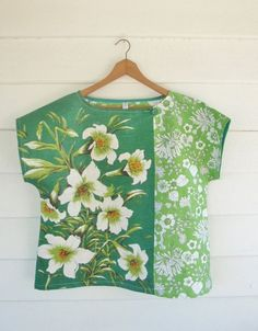 Upcycled Womens Shirt Top Blouse Vintage Linen Tea Towel Green Lillies Floral Large Plus - This is my new SUNNY DAY Top. Made from two of my favourite materials…linen tea towels and vin - Diy Clothing, Sewing Clothes, Shirts & Tops, Blouse Vintage, Vintage Linen, Upcycled Vintage, Vintage Tops, Vintage Sewing, Techniques Couture