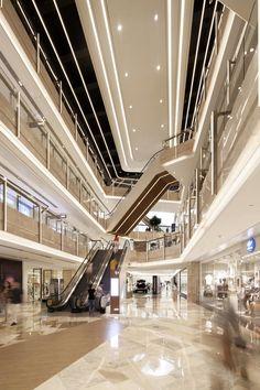 Unique Strategy and Redesign Repositions the Hangyang Admiral City Mall Mall Design, Retail Design, Shopping Mall Interior, Atrium Design, Wood Floor Design, Mall Facade, Mansion Interior, Dark Interiors, Pics Art