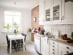 Stylish Kitchen Cabinet Design Ideas You'd Wish to Own White Shaker Kitchen Cabinets, Kitchen Cabinets Pictures, White Kitchen Island, White Kitchen Decor, Kitchen Cabinet Styles, Swedish Kitchen, Decoration Bedroom, White Appliances, Kitchen Dining
