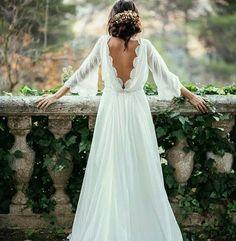 h e l l o w e e k e n d Isnt this dress gorgeous ✨ . . . #Repost @weddings_brides ・・・ #ido #weddingday #vestidodenoiva #casamento #weddingcake #instabride#vestido #dreamwedding #couture #bridetobe #weddinginspiration #weddinginspiration #luxurywedding#bridaldress #casamento#weddingideas #weddingdress#weddings #designercouture#engaged #couture#weddingparty#bridalfashion#madrinhas #gelin #bff#bridesmaids #vestidodenoiva#instawedding#weddinggown#boda#bridalgown#weddingstyle http://gelinshop.co