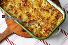 Low-Carb Cauliflower and Cheese — Vegetarian Recipe — Diet Doctor Cheese Recipes, Low Carb Recipes, Low Carb Keto, Cooking Recipes, Cauliflower Cheese, Cauliflower Casserole, Broccoli Cauliflower, Low Carb Casseroles, Low Carb Vegetables