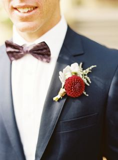 A Decadent Art Deco Wedding by Stewart Leishman http://chicvintagebrides.com/index.php/real-wedding/decadent-art-deco-inspired-wedding-stewart-leishman/