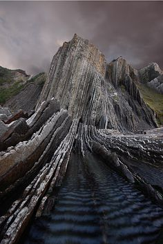 Flysch Rock Formation near Zumaia, Spain - Basque Country Places To Travel, Places To See, Places Around The World, Around The Worlds, Beautiful World, Beautiful Places, Formations Rocheuses, Voyage Europe, Basque Country