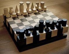 Unique chess sets, we have it all at Chess Baron… Woodworking Workshop, Easy Woodworking Projects, Welding Projects, Woodworking Jigs, Blacksmith Projects, Modern Chess Set, Chess Set Unique, Chess Table, Wood Games