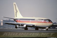 PEOPLExpress N410PE Boeing 737-130 aircraft picture