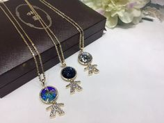 GULI jewelry is offering wide range of crystals pendants at attractive price offers. Visit today GULI jewelry to have best offers on latest design jewlwery products.