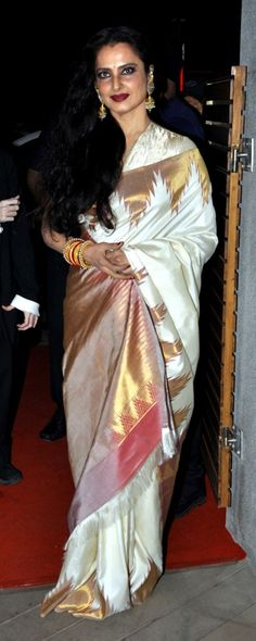 Rekha in a silk saree Indian Sarees, Silk Sarees, Kerala Saree, Cotton Saree, Rekha Saree, Indian Dresses Online, Stylish Sarees, Elegant Saree, Traditional Sarees