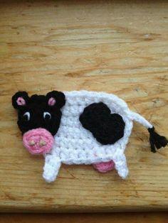 Crochet Cow, Crochet Motif, Crochet Animals, Diy Crochet, Hand Crochet, Crochet Flowers, Crochet Applique Patterns Free, Crochet Appliques, Plastic Bag Crochet