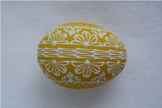 Žluté kraslice / Zboží prodejce Pippa | Fler.cz Egg Decorating, Easter Eggs, Decorations, Wood, Dekoration, Ornaments, Decor, Decoration, Embellishments