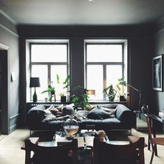 Dark rooms can be carried out in almost any kind of style : elegant, calm Scandinavian, bold masculine, and strict minimal.  #BlackLivingRoom #DarkLivingRoom #LivingRoom #Decor #Ideas