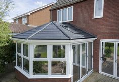 The superior thermal performance of our solid roof is a high quality solution for your existing older style conservatory. Warm in the winter & cool in summer. Tiled Conservatory Roof, Conservatory Design, Gazebo Pergola, Backyard Greenhouse, Sunroom Addition, Roof Lantern, Loft Design, Design Design, Roofing Systems