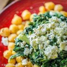 Cizrna se smetanovým mangoldem - Spicy Crumbs Healthy Recipes, Healthy Food, Vegetable Recipes, Cobb Salad, Spicy, Vegetables, Healthy Foods, Healthy Eating Recipes, Healthy Eating
