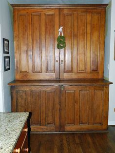 Antique sacristy furniture trend home design and decor for Meuble quebecois design