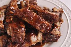 Crock Pot BBQ Ribs - do not need to grill after crockpot Crock Pot Slow Cooker, Crock Pot Cooking, Slow Cooker Recipes, Crockpot Recipes, Cooking Recipes, Delicious Recipes, Yummy Food, Comida Latina, Rib Recipes