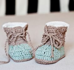 Instant download Baby Booties Crochet PATTERN by monpetitviolon