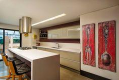 Cozinha espaçosa e funcional-BOL Fotos