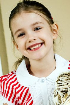 Foto profil Kristina   VK Little Girl Models, Little Kid Fashion, Cute Little Girl Dresses, Cute Young Girl, Beautiful Little Girls, Cute Girl Outfits, Beautiful Girl Image, Cute Outfits For Kids, Cute Little Girls